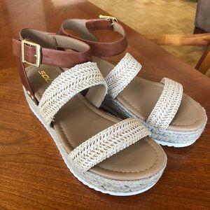 Soda brown tan woven platform sandals buckle 8 new
